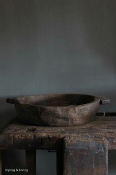 Styling & Living | Oude, robuuste schaal | www.stylingandlivingshop.nl