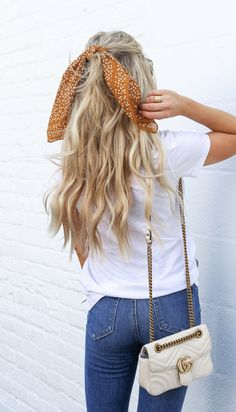 hairstyle with bandana \ hairstyle with bandana . hairstyle with bandana hair down . hairstyle with bandana braids . hairstyle with bandana curly Hair Scarf Styles, Curly Hair Styles, Hair With Scarf, Hair Styles Casual, Hair Styles Summer, Cute Hair Styles Easy, Casual Hair Up, Style Long Hair, Scarf Hairstyles