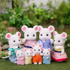 Product Review - Marshmallow Mouse Family - Mimi's Little Sylvanian Town