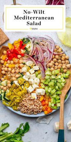 Mediterranean-Style Chopped Salad with Oregano Vinaigrette - The No-Wilt Mediterranean Salad That Will Save Your Desk Lunch This Week Vegetarian Recipes, Cooking Recipes, Healthy Recipes, Mediterranean Diet Recipes, Mediterranean Style, Soup And Salad, Healthy Eating, Clean Eating Lunches, Veggies