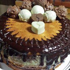 Bolo {divo} da amiga Mayra... Chocolate com Beijinho 😍🍭