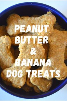 What to treat your dog to something special? Then try out our recipe for delicious peanut butter & banana dog treats. Super easy, and super healthy! No Bake Dog Treats, Dog Treats Grain Free, Peanut Butter Dog Treats, Puppy Treats, Pumpkin Dog Treats, Homemade Dog Treats, Healthy Dog Treats, Banana Dog Treat Recipe, Easy Dog Treat Recipes