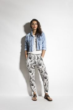 Glimmer chambray / Gangsta tee / Love tripping palm pant