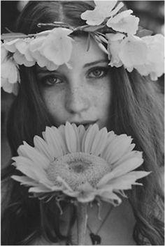 ╰☆╮Boho chic bohemian boho style hippy hippie chic bohème vibe gypsy fashion indie folk the . Hippie Love, Hippie Style, Hippie Vibes, Hippie Chick, Boho Style, Boho Chic, Foto Portrait, Portrait Photography, Hippie Photography