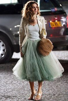 carrie bradshaw style. Love the tool skirt!
