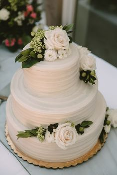 Summer Wedding at the Los Angeles Temple - Natalie Michelle Photo Co. Blush Wedding Cakes, Blush Wedding Colors, Wedding Cake Prices, Summer Wedding Cakes, Small Wedding Cakes, Wedding Cake Rustic, Wedding Cakes With Cupcakes, Elegant Wedding Cakes, Wedding Cakes With Flowers