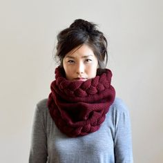 Super chunky knit snood made from woolen spun, natural hand dyed merino wool grown in the USA. The rustic yet soft yarn gives this snood a lot of body &