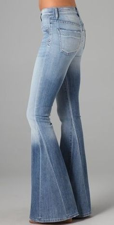 Citizens of Humanity Angie Super Flare Jeans Bell Bottoms! 70s Fashion, Denim Fashion, Fashion Outfits, Woman Fashion, White Fashion, Fashion Tips, Mode Hippie, Hippie Style, Mode Style