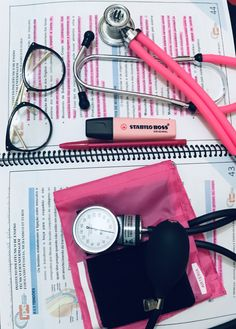 Nursing School Motivation, Nursing Goals, Nursing School Notes, Medical School, Medical Students, Nursing Students, Medical Wallpaper, Medicine Student, Medical Careers