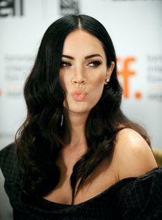 •А вы знаете о том, что по статистике многие мужчины считают самой сексуальной формой брови – «домиком», как у #MeganFox Относительно современных тенденций брови Меган Фокс все-таки слишком графичные, но их форма действительно широко популярна и подходит большинству девушек.
