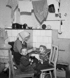 Breakfast in the town of Ústí nad Labem, 1949 (photo source: ČTK Dessert For Dinner, Vintage Images, Baby Strollers, News Agency, Meals, Dining, Children, Classic, Desserts