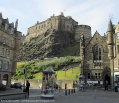 EDINBURGH CASTLE -  Edinburgh. Scotland. Watch travel videos > http://destinations-for-travelers.blogspot.com/2014/01/castelo-de-edimburgo-castle-rock-edimburgo-escocia.html