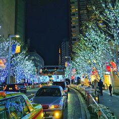六本木ヒルズのイルミネーションと東京タワーが美しい✨ #illumination and #TokyoTower from #RoppongiHills #Roppongi #Tokyo #Japan  #Christmas
