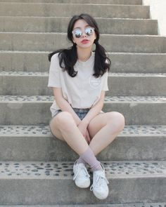 Image via We Heart it Korean Street Fashion, Korea Fashion, Punk Fashion, Asian Fashion, All Fashion, Fashion Outfits, Ulzzang Fashion, Ulzzang Girl, Casual Outfits