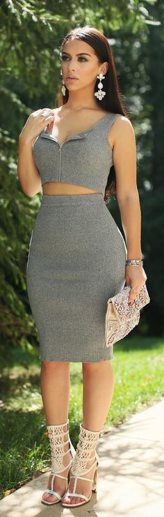 Cool outfit idea. Gray top and knit skirt