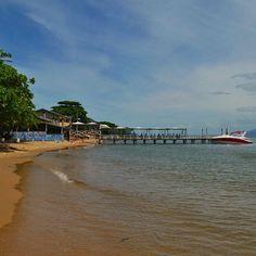 Tudo que eu queria hoje era uma praia quentinha pra fugir do frio... Quem mais? Na foto a praia de Ribeirão da Ilha em Florianópolis! #myDestinationAnywhere