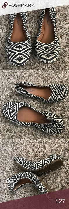 Luck Brand flat Shoe 7 1/2 NWOT. No trade No lowball Lucky Brand Shoes Flats & Loafers