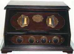 VINTAGE 1925 RCA RADIOLA #20 BATTERY SET RADIO W / TUBES - SUPER NICE!