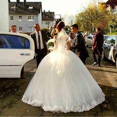 Tag a friend who loves weddings! For more wedding inspiration follow: ❤️@Wedding.Proposal @DiamondsDiary @Cake.Diary  #wedding#diamond#love