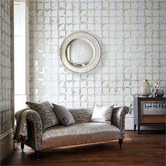 Sal n con papel pintado a rayas horizontales gris y beige villalba interiorismo decorar con - Dulce hogar villalba ...