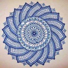 Centro de mesa ( Toalhinha ) em crochê com gráfico - Crochê On Line - Gráficos, Paps e Vídeoaulas