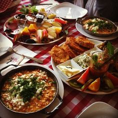 #breakfast #turkishbreakfast Nar Cafe & Restaurant Turkish Recipes, Italian Recipes, Ethnic Recipes, Fish And Meat, Fish And Seafood, Breakfast Around The World, Breakfast Recipes, Breakfast Cafe, Turkey Today