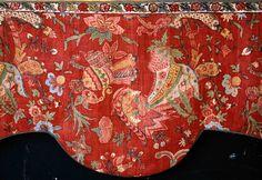 Bandeau de lambrequin. Coton peint et teint. Inde, côte de Coromandel, XVIIIe siècle. ( MADOI - n° inv. TEX. 1991.746). Détail.