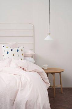 #Dormitorio #contemporaneo #decoracion via @planreforma #camas #cabecero de cama #iluminaciondiseñado por Eva Ayuso - Interiorista