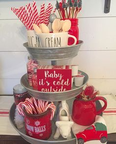 Warm & Festive Red and White Christmas Decor Ideas - Hike n Dip : Red and White Christmas Decor Ideas Give your Christmas decoration a festive touch. Try the classic Red and white Christmas decor. Here are Red and White Christmas decor ideas for you. Farmhouse Christmas Decor, Rustic Christmas, Christmas Decor For Kitchen, Elegant Christmas, Coffee Table Christmas Decor, Christmas Coffee, Christmas Island, Christmas Decorations For The Home Living Rooms, Christmas Cooking