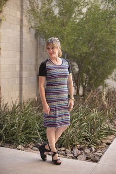 FREE PDF PATTERN!  The Alcoy dress is a comfy knit dress, with raglan style sleeves.  Super easy and the perfect summer momiform!