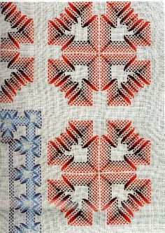 Punto Yugoslavo / Vagonite pattern, this is nice,  I may have a runner of this pattern. Will have to try this.