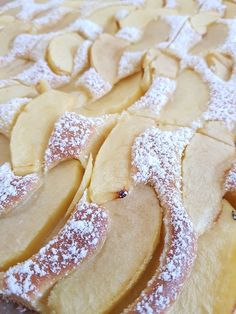 Apfelkuchen schnell und fein Apple pie fast and fine, a nice recipe from the category fruit. Apple Recipes, Baking Recipes, Cake Recipes, Dessert Recipes, Desserts, New Dessert Recipe, Caramel Apples, No Bake Cake, Apple Pie