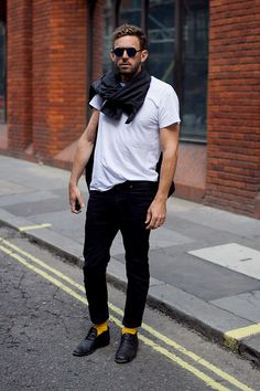 Men's Street Style London - never go wrong with a white T.and bright yellow socks. Men's Fashion, Best Mens Fashion, Mens Fashion Shoes, Fashion Menswear, Fashion Photo, Street Fashion, Yellow Socks, Mens Clothing Styles, Well Dressed