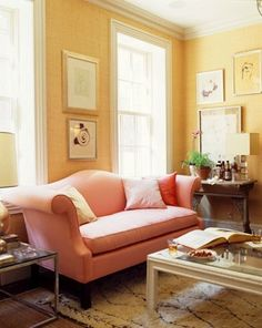 Moroccan rug, my obsession! Plus a rather traditional room with that pretty unexpected pink and warm vibe.
