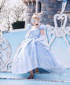 Cinderella - 25th Disneyland Paris Anniversary - The Starlitz princesses waltz