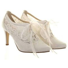 Vintage Designer Wedding Shoes Diane Hassall Heartbeat Ivory Lace ❤ liked on Polyvore featuring shoes, heels, boots, sapatos, vintage shoes, lace evening shoes, wedding shoes, winter white shoes and lacy shoes