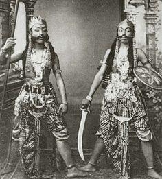 Javanese Actors (1300s H Photograph; Kingdom of Netherlands, Dutch East Indies, Java) #Indonesia #Jawa