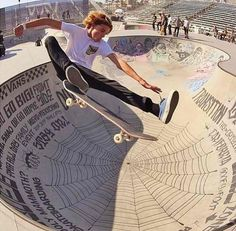 Curren Caples: At X Games Munich he won a gold medal in skateboard park alias Bmx, Hang Ten, Skate Photos, Skateboard Pictures, Skateboard Art, The Wombats, Skate And Destroy, Skate Surf, Vans Skate