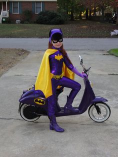 Awesome Tiny Batgirl , with Bat Cycle