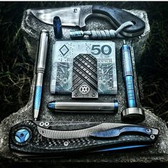 Some pretty amazing looking EDC... even without the fancy photography... Heh