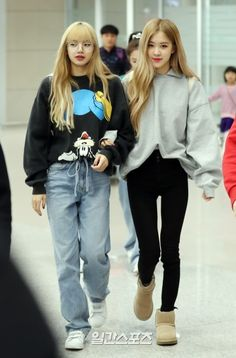 BLACKPINK at ICN Airport airport outfit airport outfit ideas airport outfit . Kpop Outfits, Mode Outfits, Korean Outfits, Casual Outfits, Airport Outfits, Blackpink Fashion, Korean Fashion, Fashion Outfits, Womens Fashion