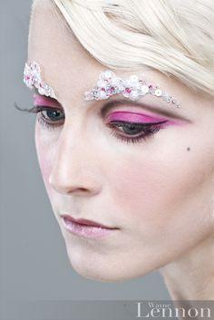 Jewelled eyebrow by Illamasqua :)