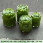 Pesto+di+rucola+con+mandorle,+pecorino+e+limone