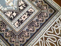 Galleryru D¤d¾n'd¾ 63 Cross Stitch Embroidery, Cross Stitch Patterns, Cross Stitches, Romanian Lace, Stitch Design, Bohemian Rug, Diy And Crafts, Applique, Pillows