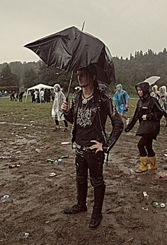 Because even swedish satanic metalheads need an umbrella… Rain is not Trve Kvlt!
