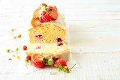 Elderflower cake with strawberries