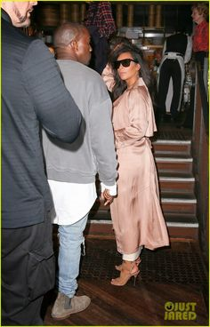 Kim Kardashian and her husband Kanye West at Mr. Wong's restaurant in Sydney, Australia Kardashian Style, Kardashian Jenner, Sydney Restaurants, Celebs, Celebrities, Celebrity Gossip, Kanye West, Actors & Actresses, Beautiful People