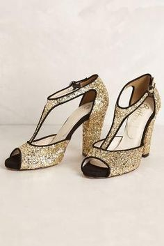 1920s gold glitter shoes