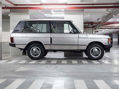 And it won't break your bank account, either. Range Rover Classic, Range Rover V8, Landrover Range Rover, Range Rover Sport, Garage Workshop Plans, Mercedes Gl, Best 4x4, Suv Models, Jaguar Land Rover