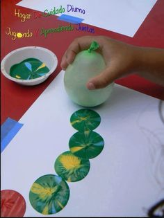 Balloons and paint Fun Eric Carle art project Hungry Caterpillar Kids Crafts, Preschool Crafts, Projects For Kids, Diy For Kids, Toddler Art Projects, Arts And Crafts For Kids Easy, Preschool Art Projects, Craft Kids, Diy Painting